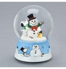 Snoopy Decorating Snowman Snowglobe