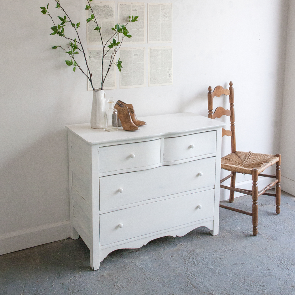 Curved drawer dresser
