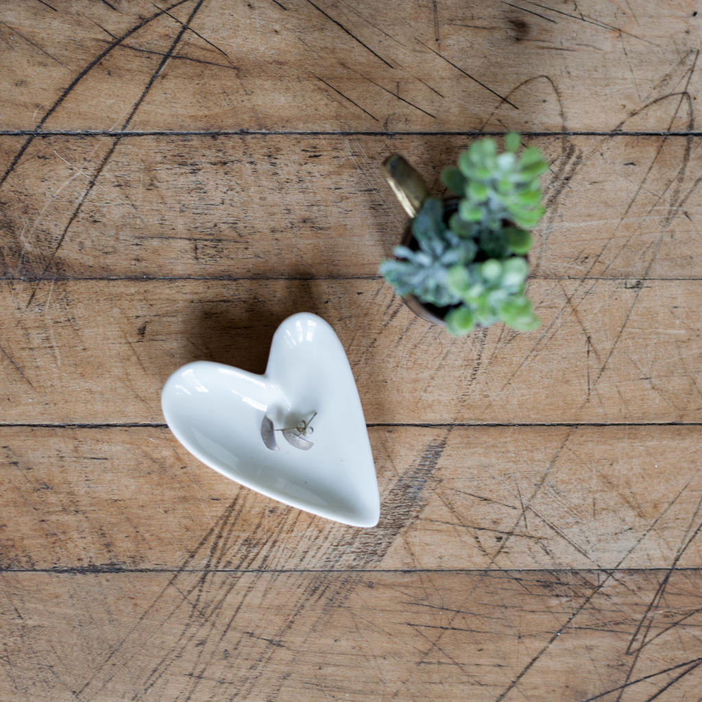 HUG-O-GRAM - Heart Ring Dish