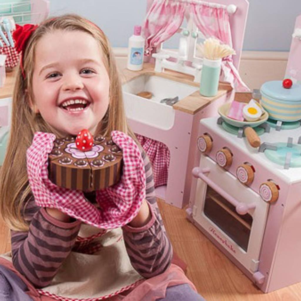Le Toy Van Le Toy Van TV277 Chocolate Birthday Cake