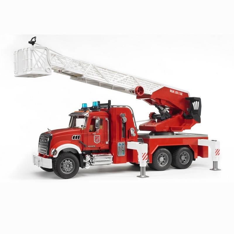 Bruder Bruder 02821 Mack Granite Fire Engine