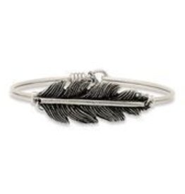 Lucky Feather Silver STC122S