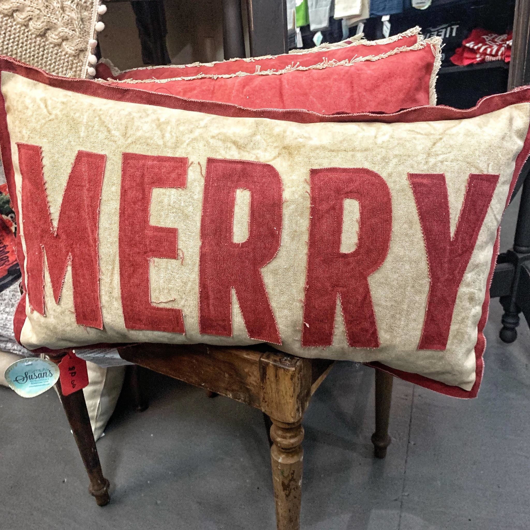 PILLOW MERRY RED