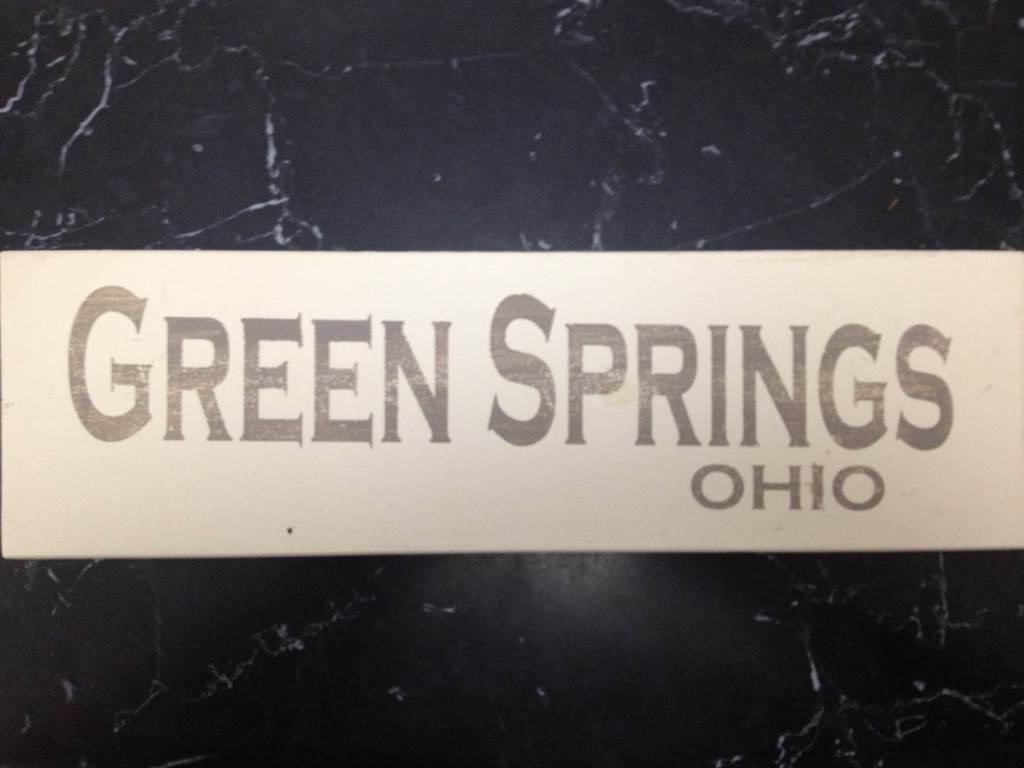 Green Springs 4x12 Grey/Cream Sign