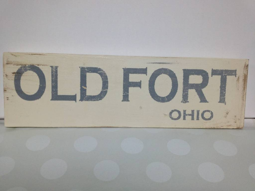 Old Fort 4x12 Lt Gray/Cream Sign