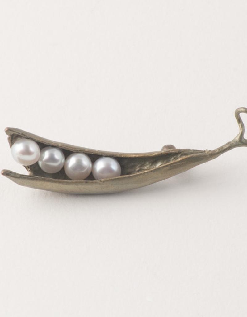 Pea Pod 4 Pearl Pin