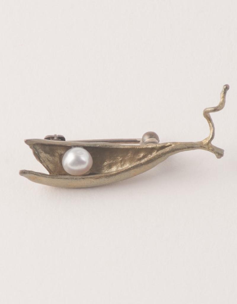 Pea Pod 1 Pearl Pin