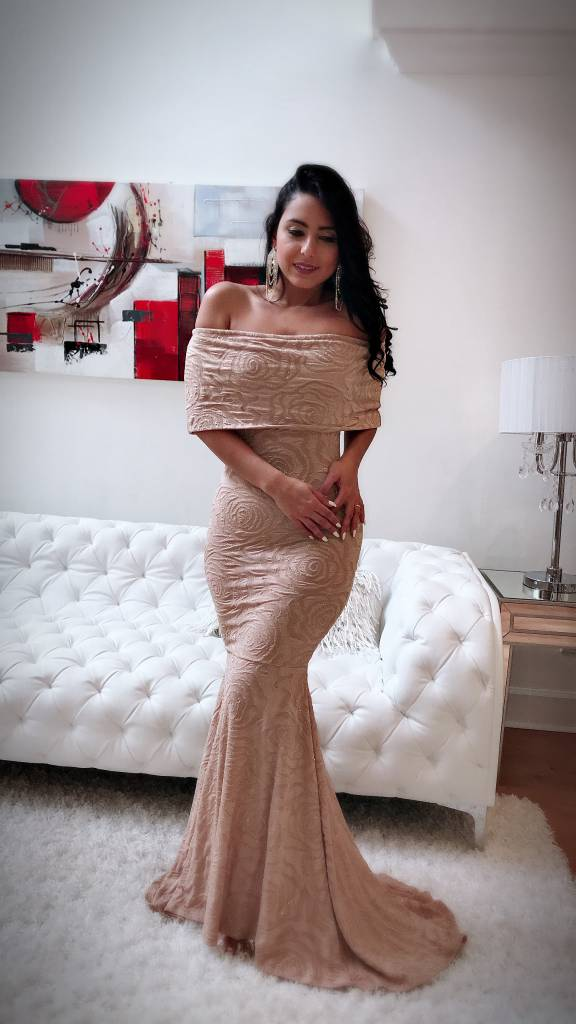 Chic Off The Shoulder Maxi Dress With Glitter