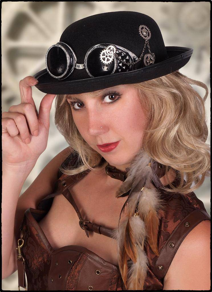 Western Fashion Steampunk Hat with Goggles