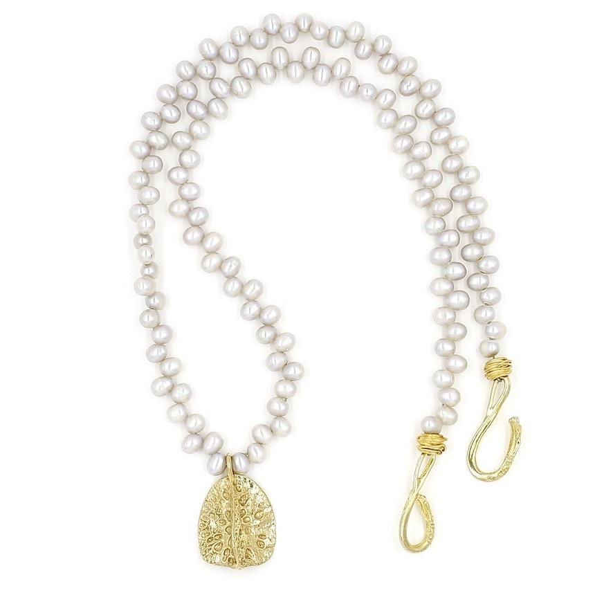 Alligator Scute Pendant Necklace - 14K Gold (Large)