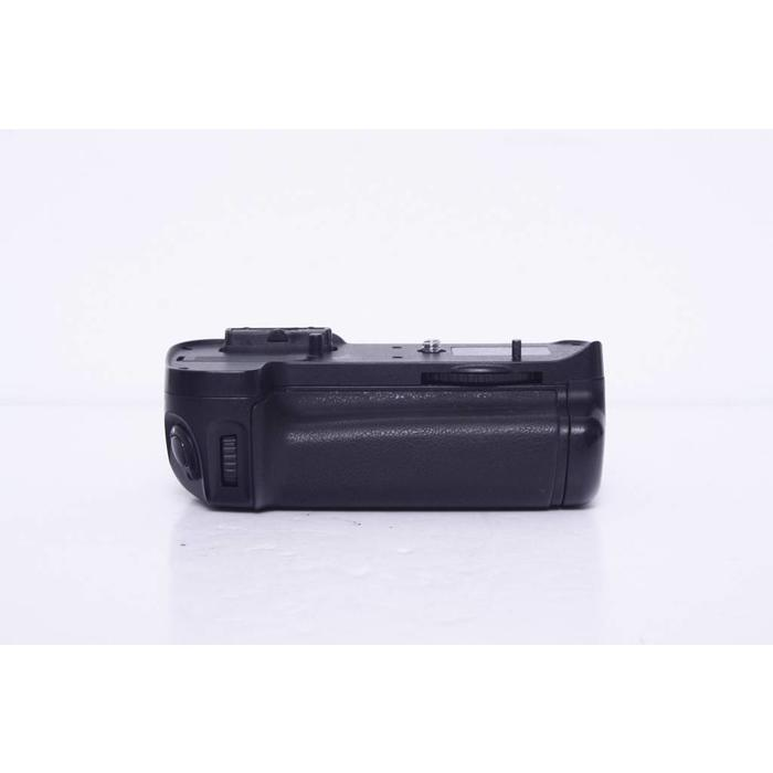 Promaster Power Grip for Nikon D7000