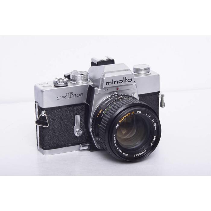 Minolta SRT202 w/ 50mm