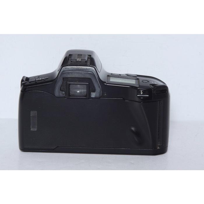 Minolta Maxxum 3xi w/ 35-80mm f/4-5.6
