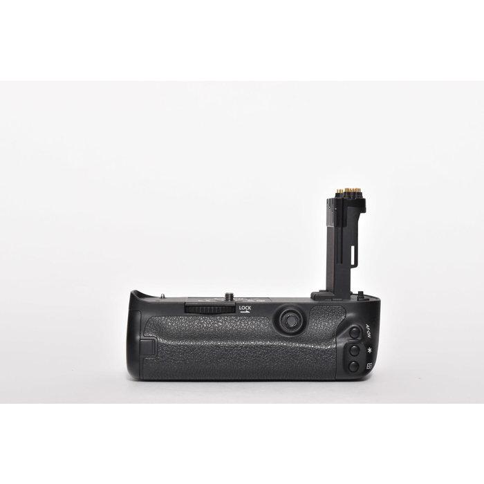 Canon BG-E11 (Canon 5D Mark III)