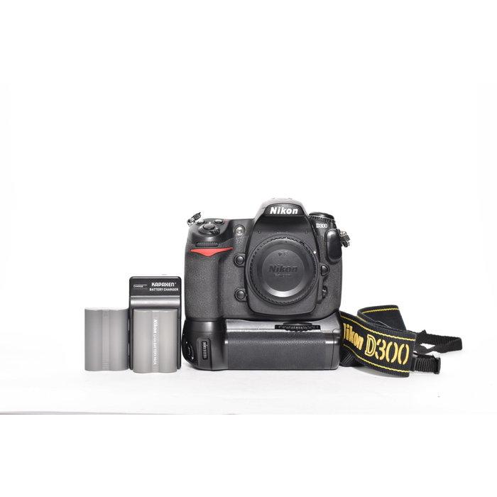 Nikon D300 w/ Battery Grip