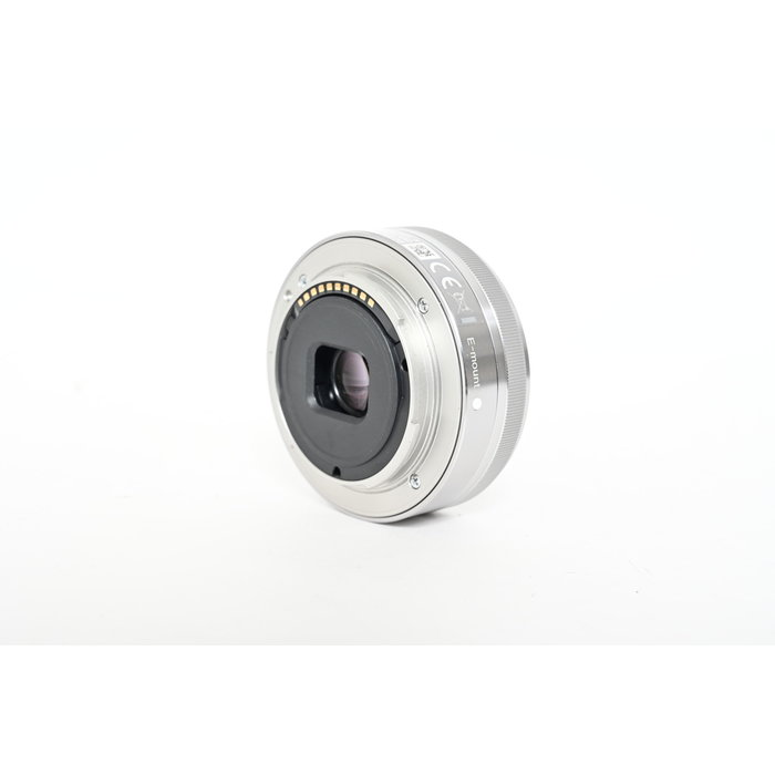 Sony 16mm f/2.8 E-Mount