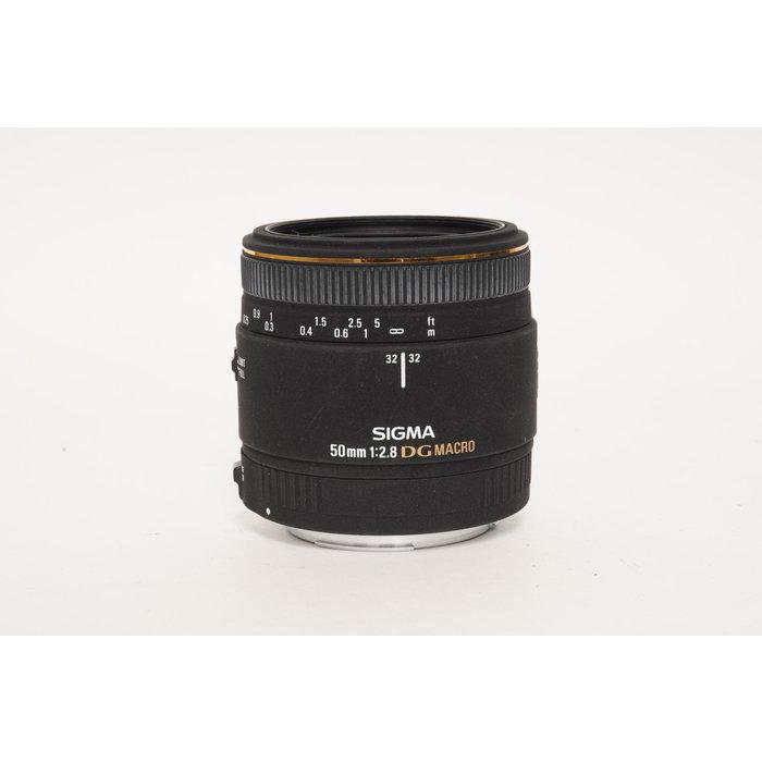 Sigma 50mm f/2.8 DG Macro - Canon