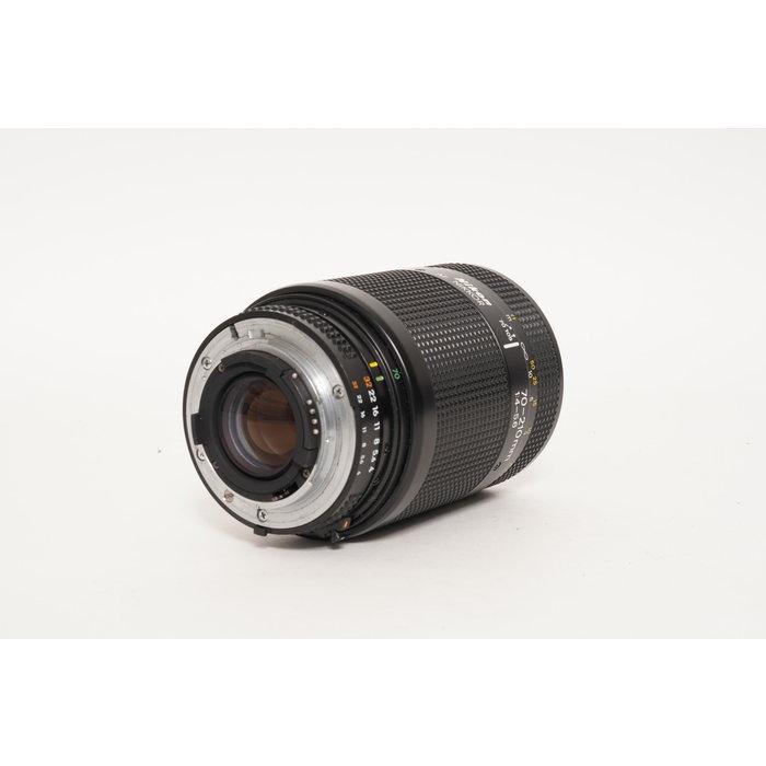 Nikon AF 70-210mm f/4-5.6 D