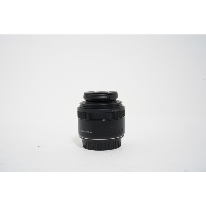 Canon Macro Lens with LED EF-S 35mm F/2.8