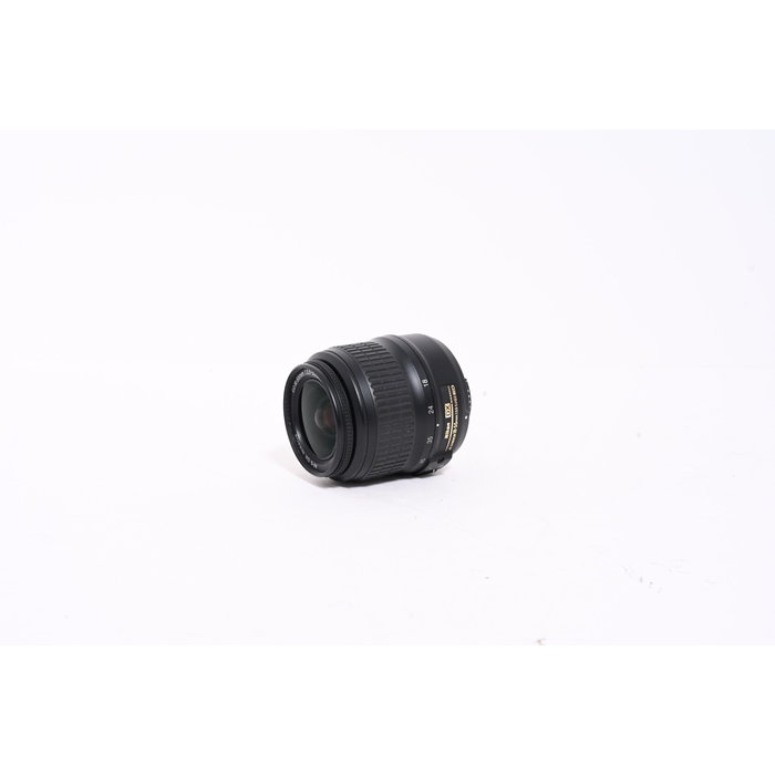 Nikon DX ED 18-55mm F/3.5 5.6 G II