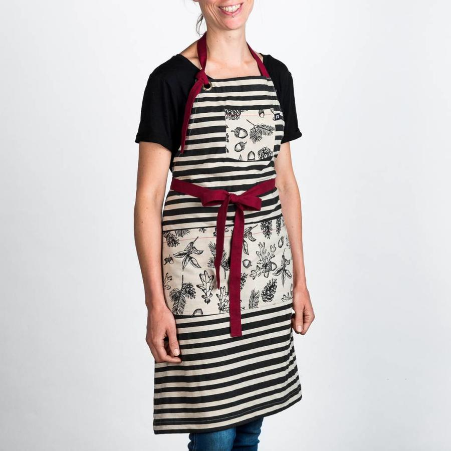 """Winter Woods"" Apron, Oven Mitt and Pot Holder Set - Photo 1"