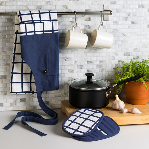 Tic-Tac-Toe Apron and Potholder Set
