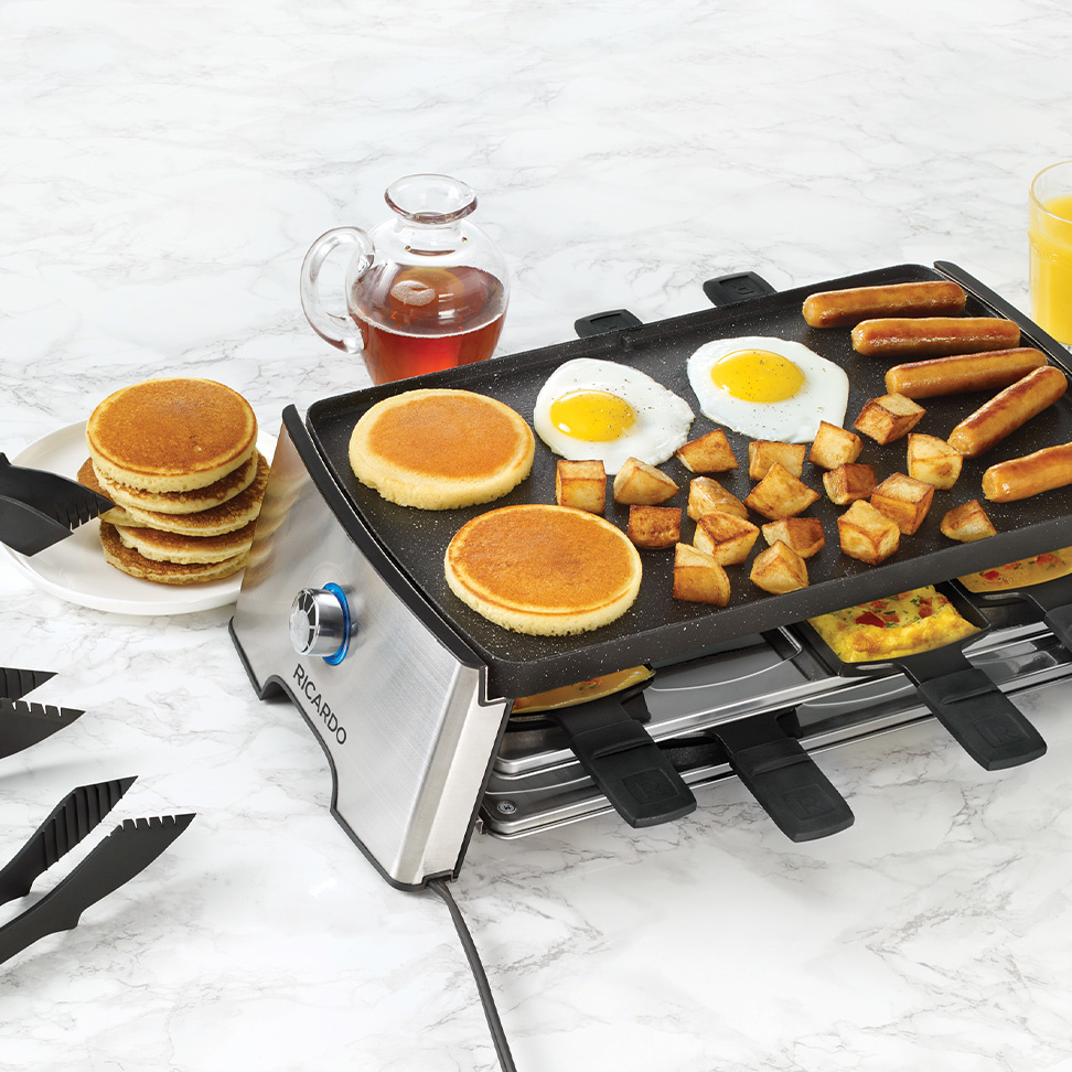<strong>Reversible Electric Raclette Set</strong><span>(18 Pieces)</span>