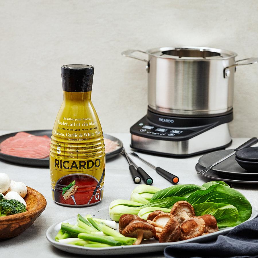 RICARDO Fondue Broth, Chicken, Garlic and White Wine - Photo 1