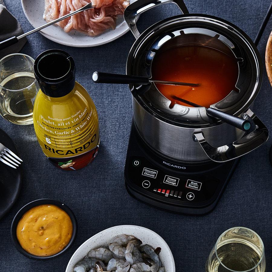 Bouillon à fondue RICARDO -  Poulet, ail et vin blanc - Photo 2
