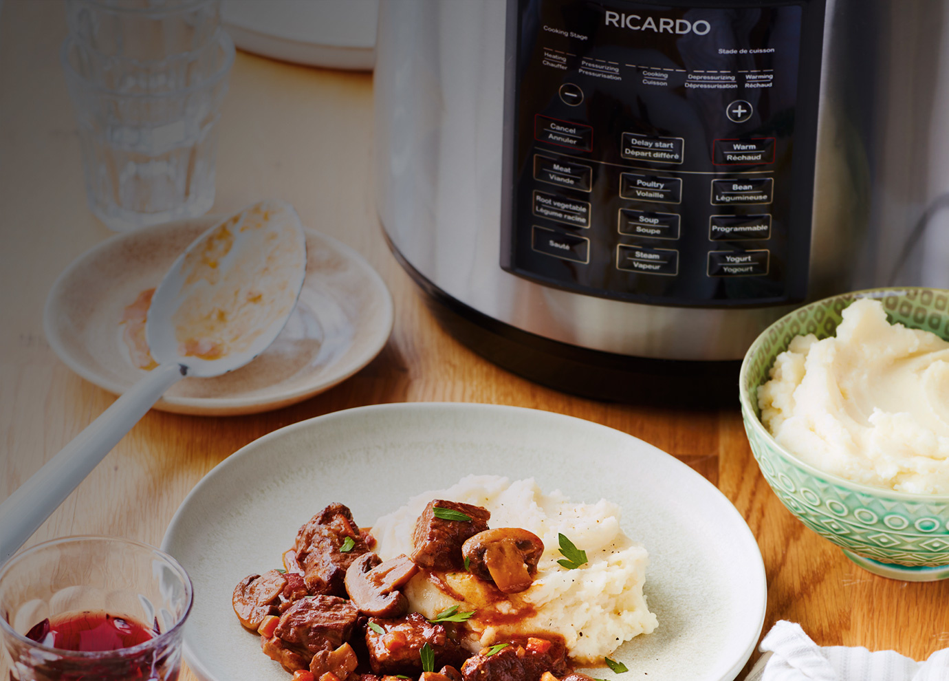Save time with<br> our pressure cooker!