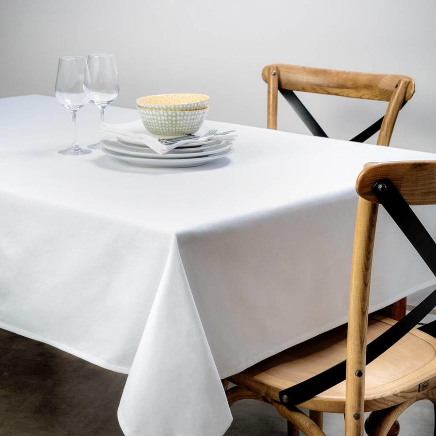 White Tablecloth - Photo 0