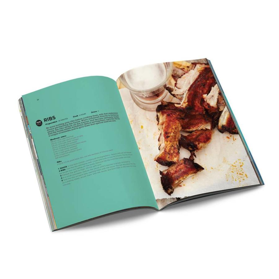 <i>Slow Cooker Favourites</i> Book - Photo 1