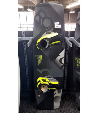 Ronix Vault Wakeboard 144 w/ District Bindings Size 10.5-14.5