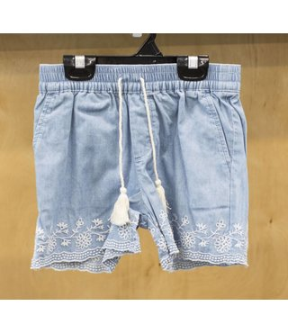 SCALOP EDGE EMBROIDERED SHORT