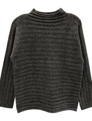 RD INTERNATIONAL RD Int'l Sweater L/Slv High Neck w/ Ribbed Detail & Cuffed Slvs