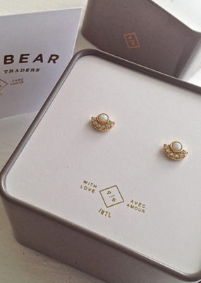 PIKA&BEAR Pika & Bear Earrings 'Lasa' Opal/Rhinestone Stud
