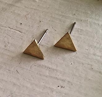 Pika & Bear Earrings '180' Hammered Triangle Studs