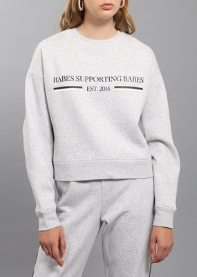 BRUNETTE BRUNETTE Babes Supporting Babes Little Sister Pullover