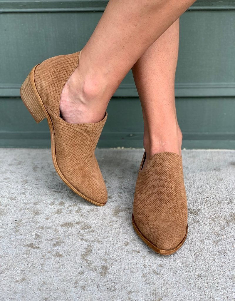 Chinese Laundry Chinese Laundry Freda Suede Side Cutout Bootie