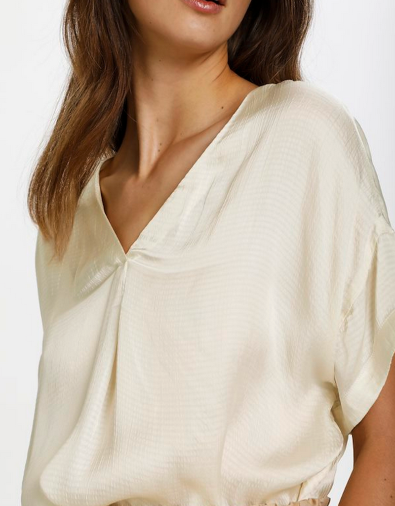 Soaked in Luxury Soaked in Luxury Top Mayra V Neck S/Slv