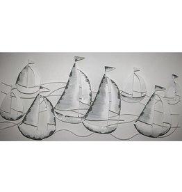 Décoration murale en voiliers métalliques