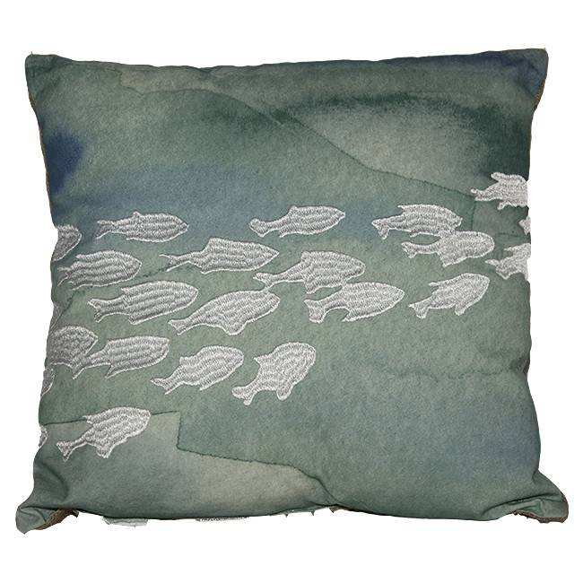 Coussin décoratif avec broderies marines (coraux ou poissons)