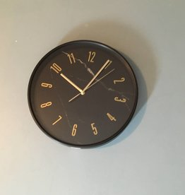 horloge simili marbre noir