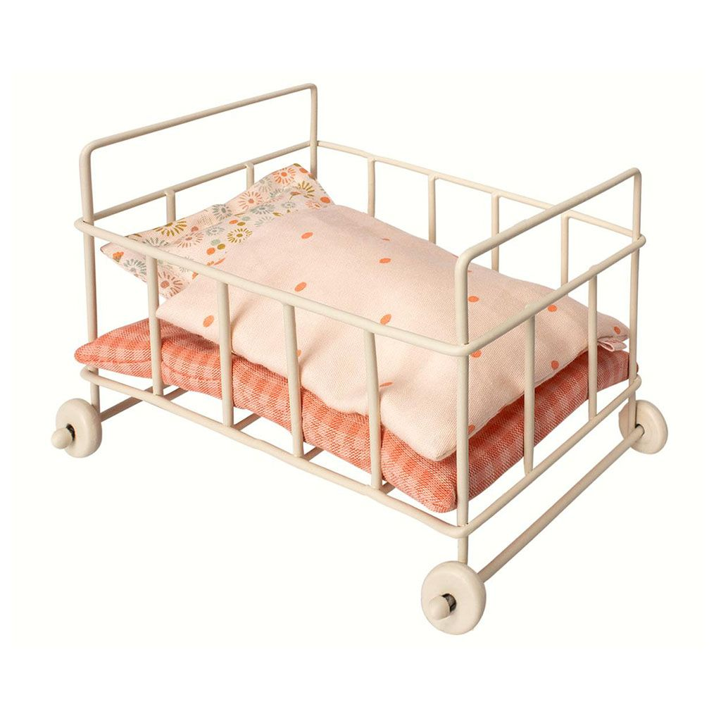 Maileg Bed for baby