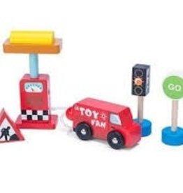 Le Toy Van Ensemble de pompe à essence