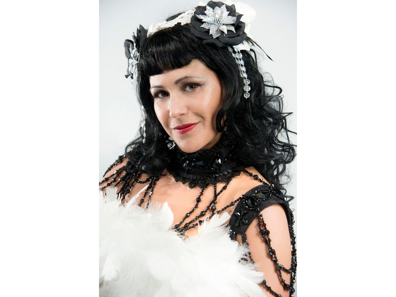 Burlesque Basics for the Bedroom & Beyond with Eva D'Luscious / Sunday, October 11