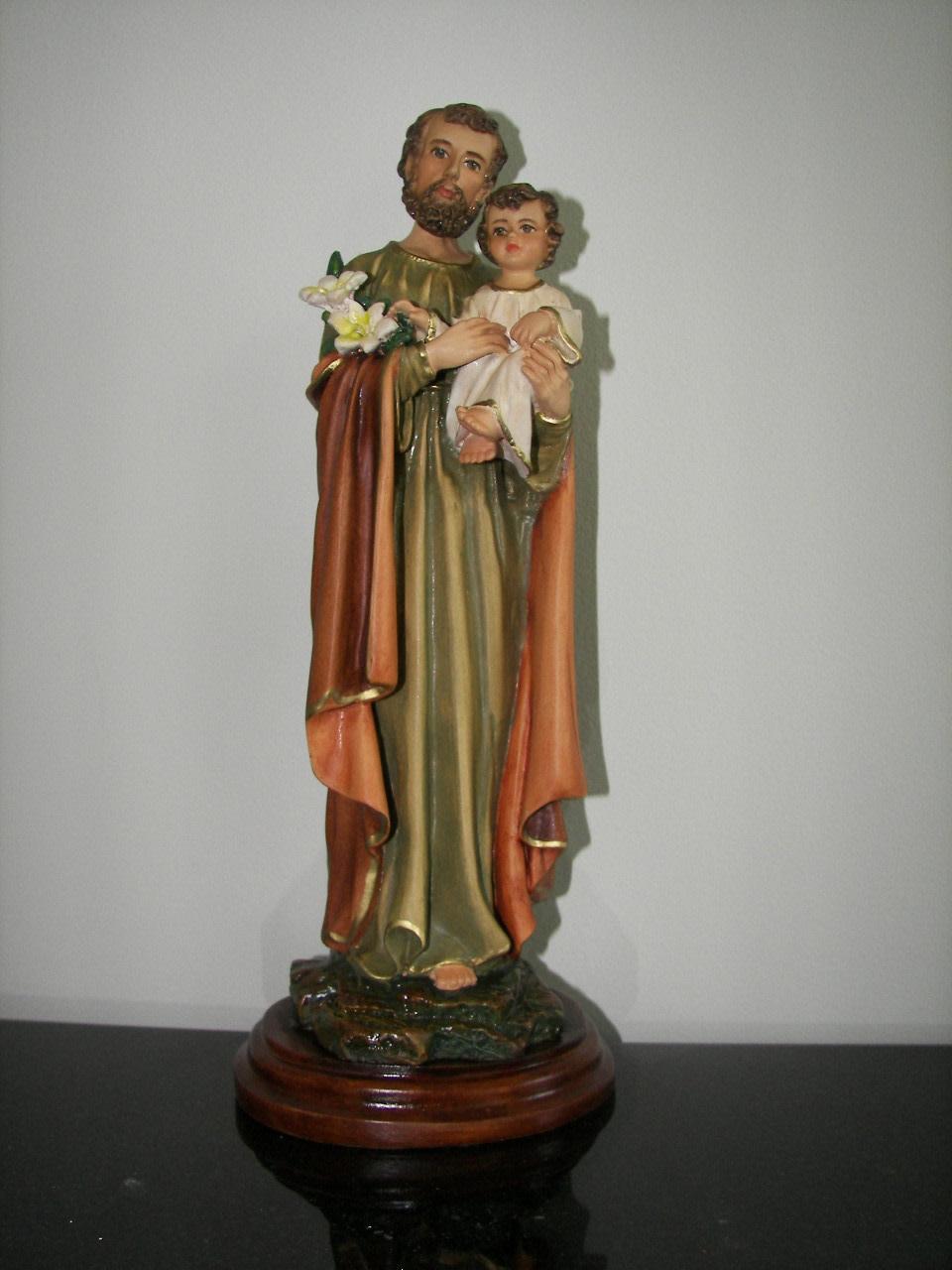 "Fiat Imports 10"" St. Joseph holding baby Jesus"