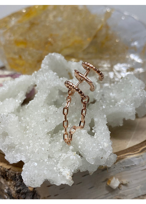 Tawapa Tawapa Chained Love Ear Cuff Rose Gold Plated