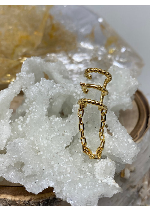 Tawapa Tawapa Chained Love Ear Cuff Yellow Gold Plated