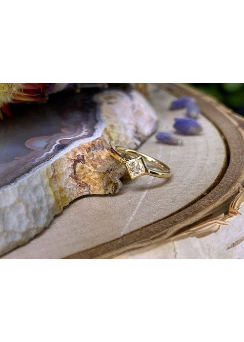 "Buddha Jewelry Organics Buddha Jewelry Organics Mae Yellow Gold with Reverse-Set White CZ 18g 5/16"" Seam Ring"